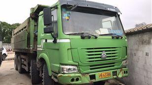 HOWO billenős teherautó