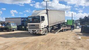 DAF 95 330 függönyponyvás tehergépkocsi