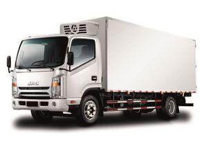 új JAC Изотермический фургон с ХОУ JAC N 80 hűtős teherautó