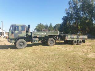 új Stewart & Stevenson platós teherautó