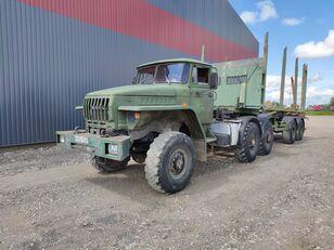 URAL rönkszállító teherautó