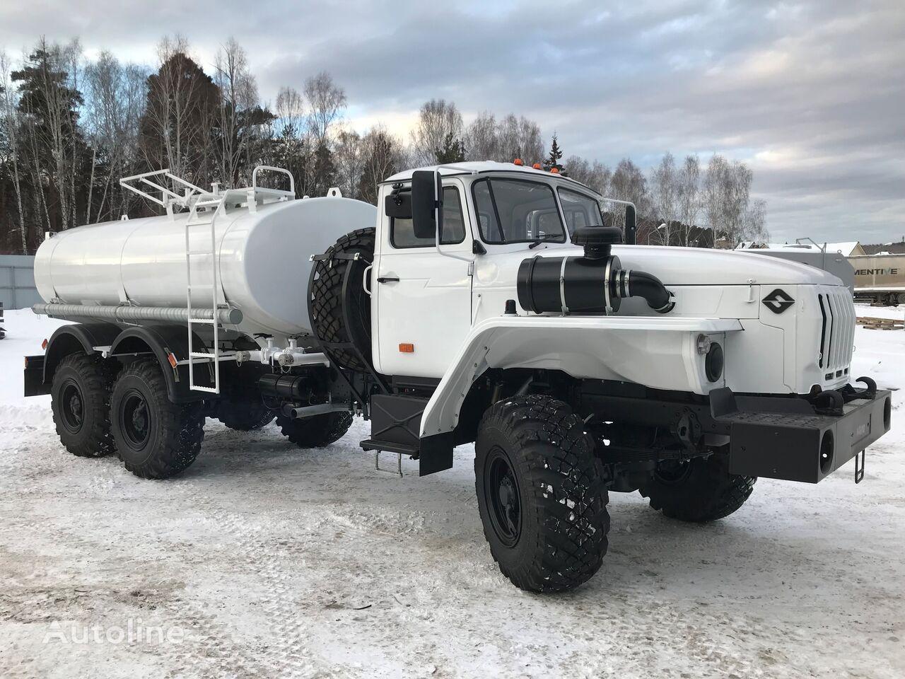 új URAL Avtomobil specialnyy 5677 avtocisterna dlya perevozki pitevoy  tartálykocsi teherautó
